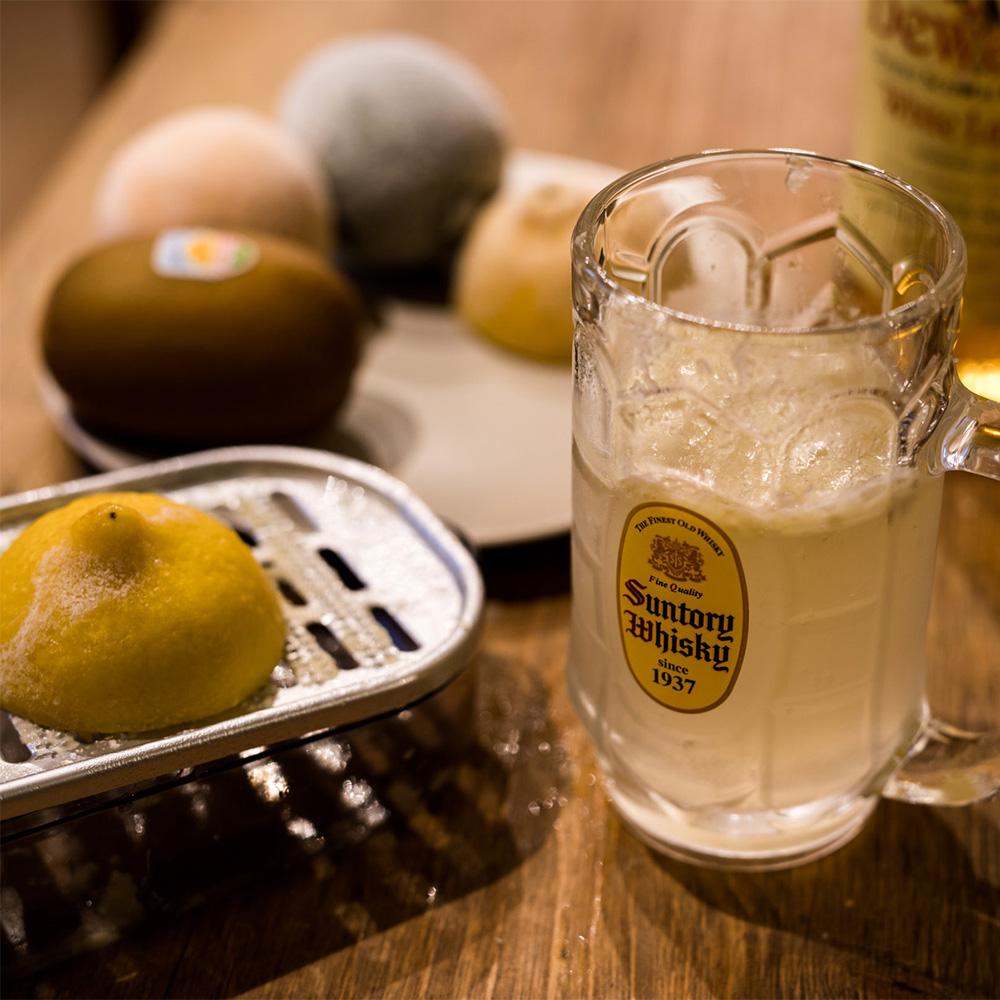 冷凍レモンで作るハイボール