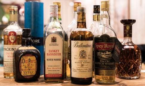 古いウイスキーがたくさん