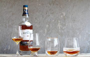 飲みくちが変わるウイスキーグラスのタイプ