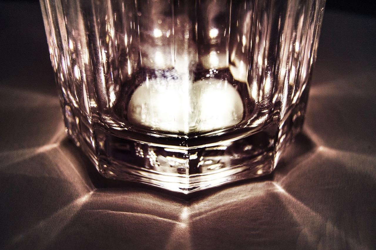ロックグラス 底部の輝き