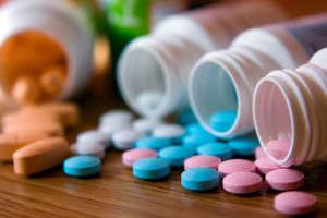 たくさんのビタミン剤