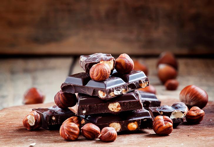 ナッツ入りチョコレート