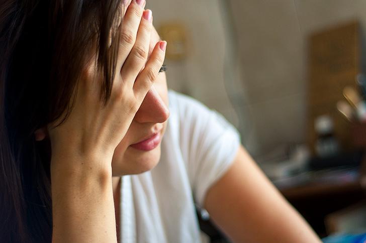 偶発頭痛に悩む人