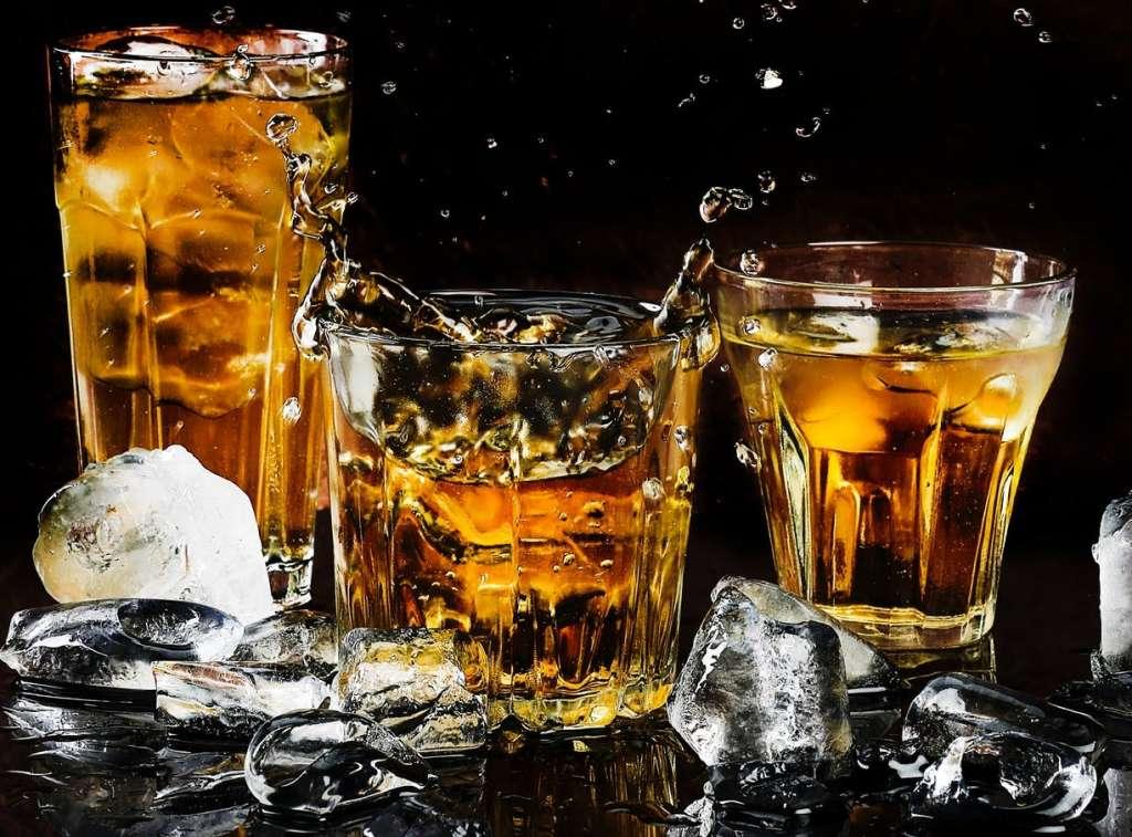 フレーバードウイスキー・ハニーウイスキーの飲み方、作り方