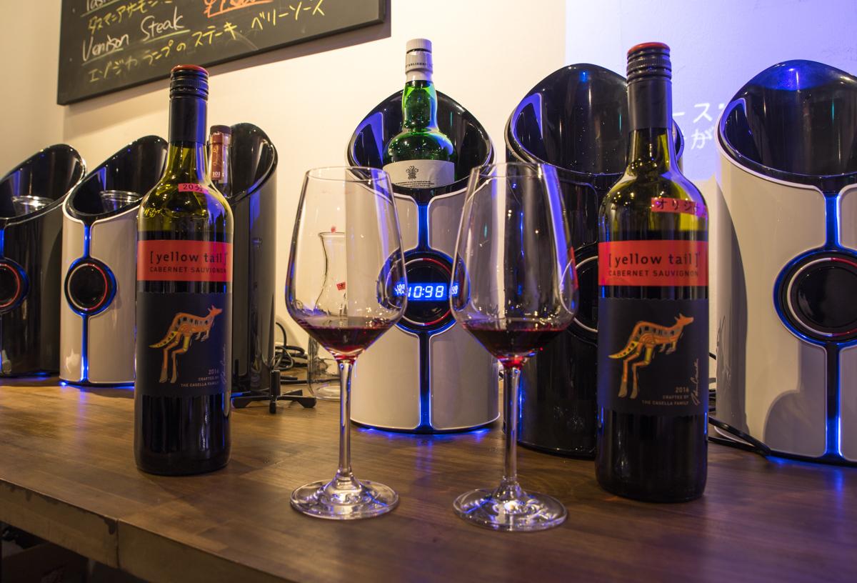 赤ワインとウイスキーボトルをソニックデキャンタにイン