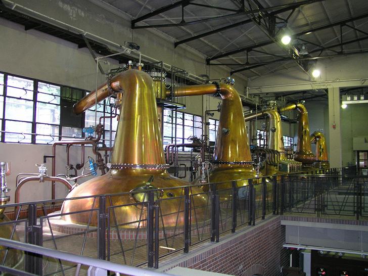 山崎蒸溜所の内部