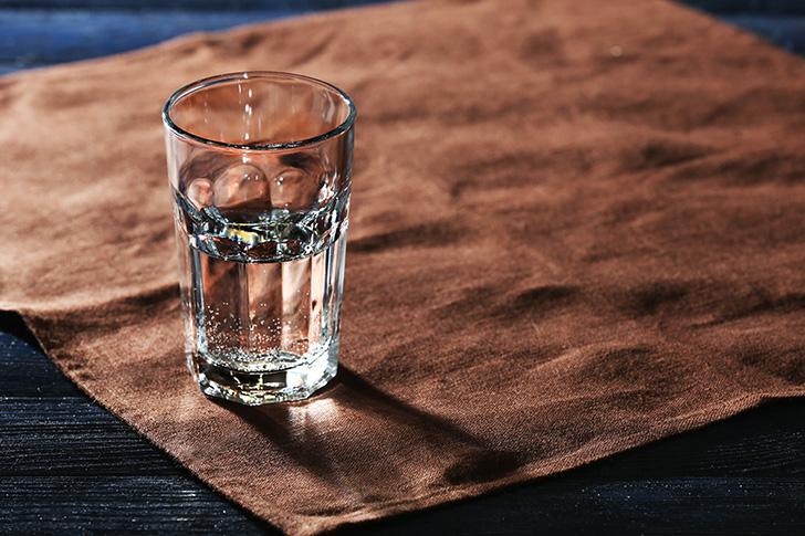 ウイスキーストレートの加水