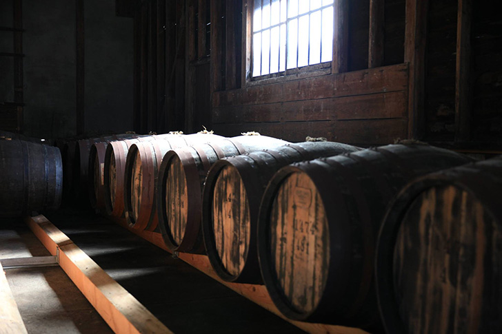 江井ヶ嶋酒造、ホワイトオーク蒸溜所の熟成庫