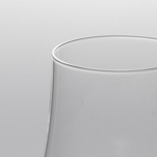 ショットツヴィーゼルウイスキーノージンググラスのリム