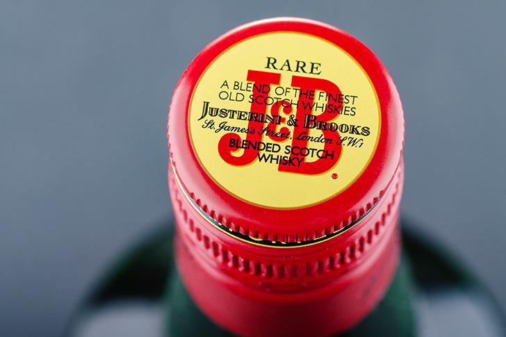 J&Bレアのキャップ