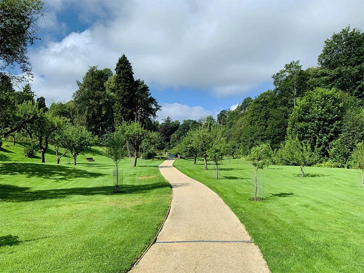 現在のグレングラントの庭園
