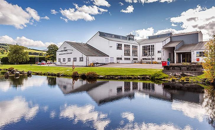 ウィリアム・デルメ・エヴァンスが設計したグレンアラヒー蒸溜所