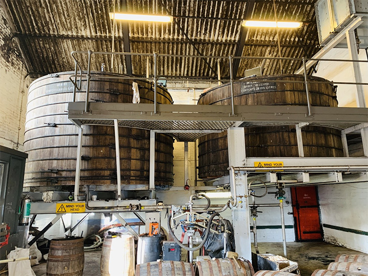 ジュラ蒸溜所の発酵槽