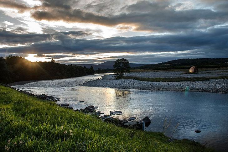 スコットランドのディー川