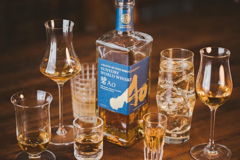 サントリーワールドウイスキー碧Aoをたくさんのグラスで飲んでみる